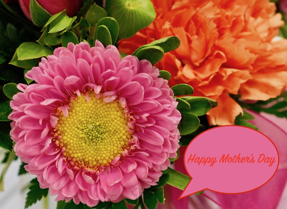 Wishing all the Moms' a Happy Day
